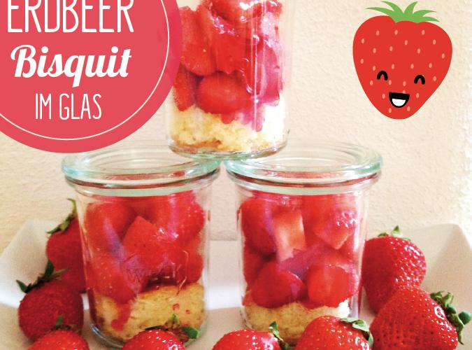 Erdbeerbisquit im Glas